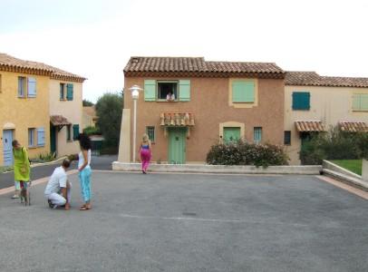 Place Les Olivades (2)