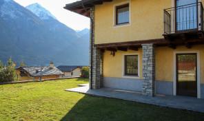 QUART – VILLAIR, BILOCALE CON GIARDINO IN CONTESTO DI PREGIO, RIF. M45